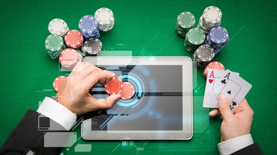 Sørg for at have en strategi, når du spiller Caribbean Stud Poker