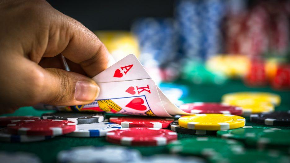 Lyst til at prøve en nemmere version af Blackjack? Spil Double Exposure Blackjack